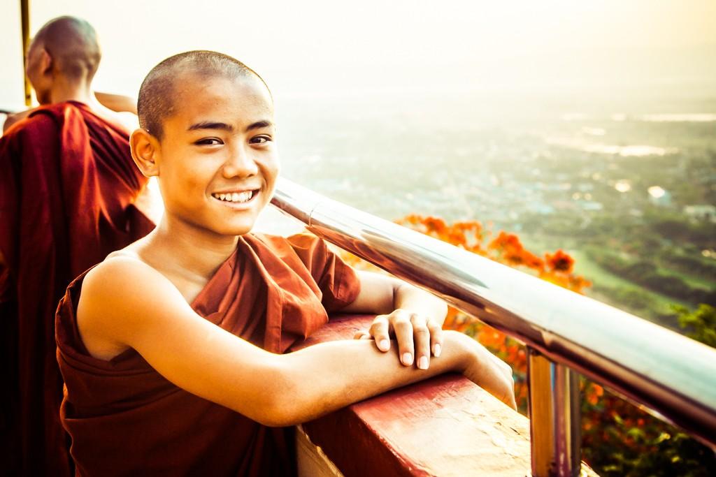 burma buddhist monk