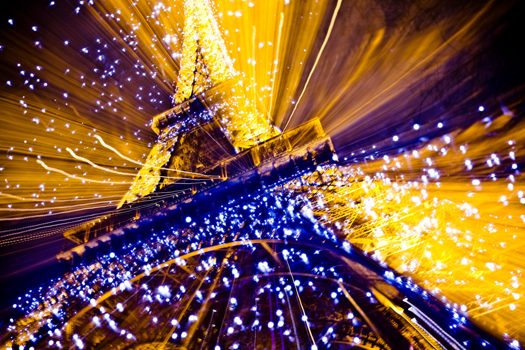 Supernova Eiffel Tower