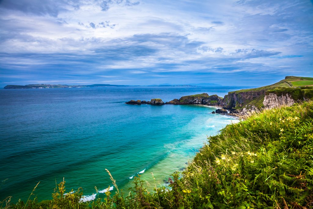 northern ireland coastline tourist attractions carrick-a-rede